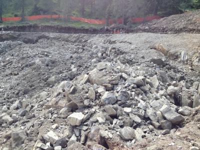 FUNIVIE-FOLGARIDA-MARILLEVA-preparazione-sito-e-sparo-mine-per-sbancamento-in-roccia-(5)